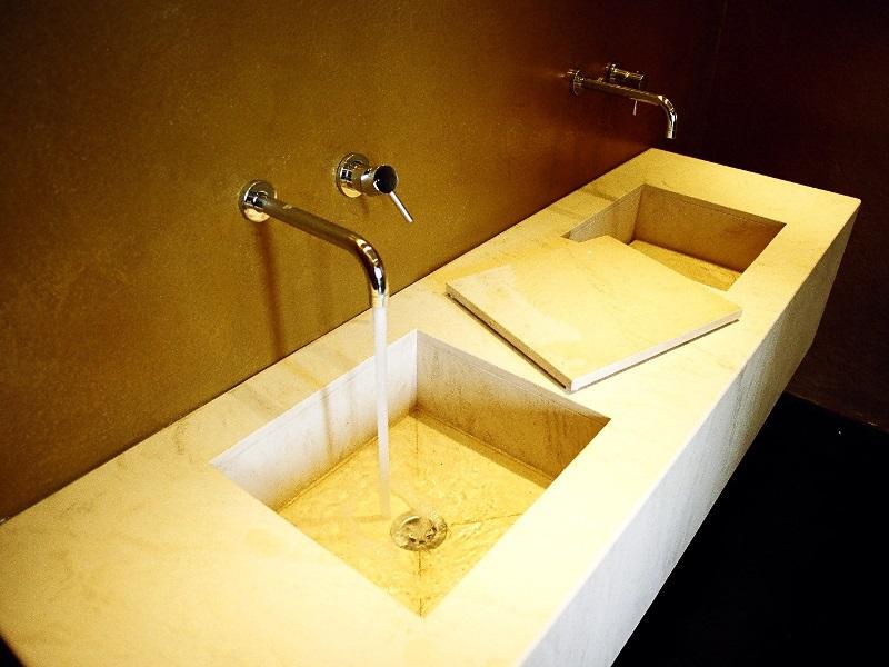 top bagno in pietra moka cream vasca integrata