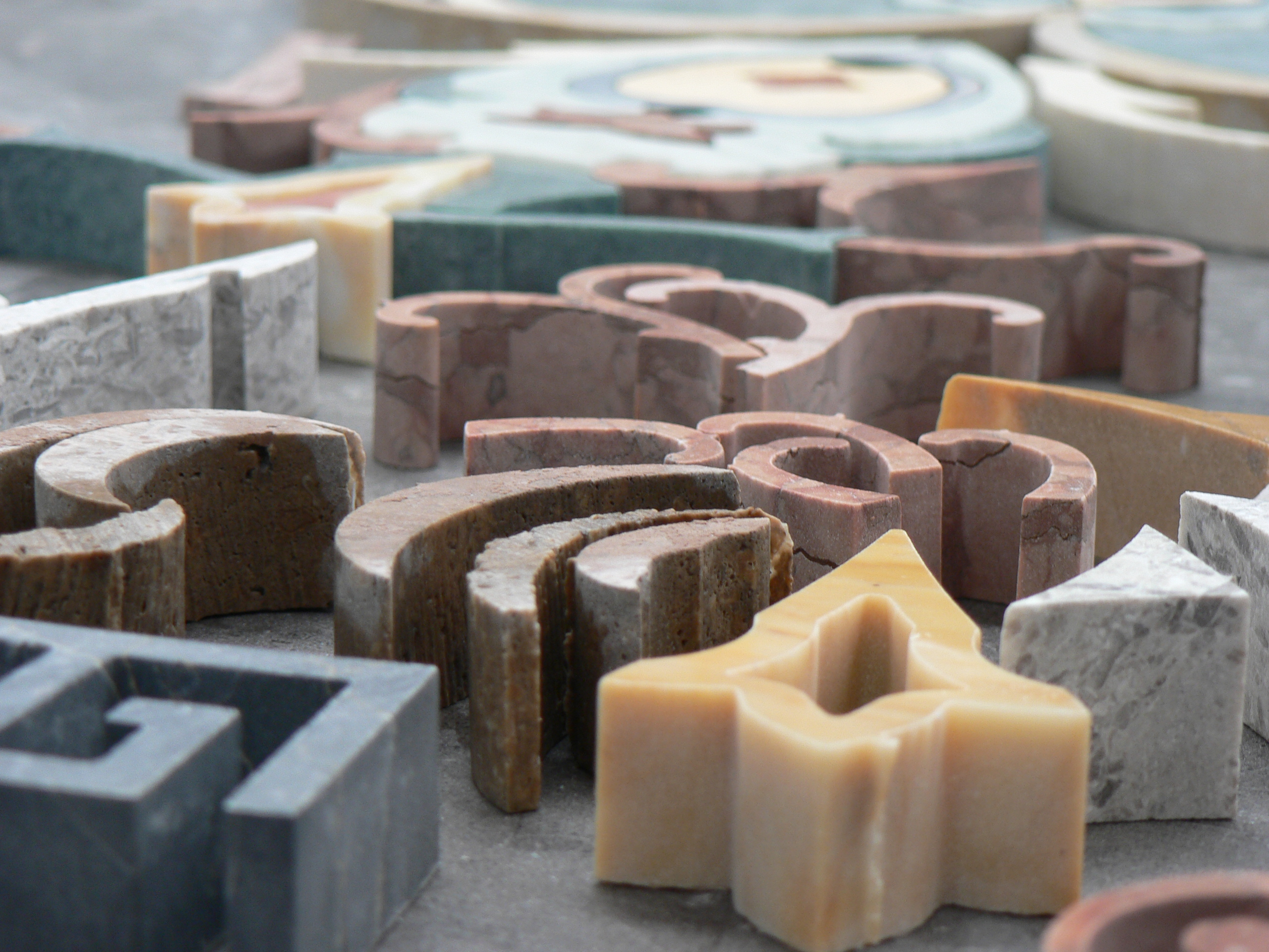 artigiani lavorazione del marmo